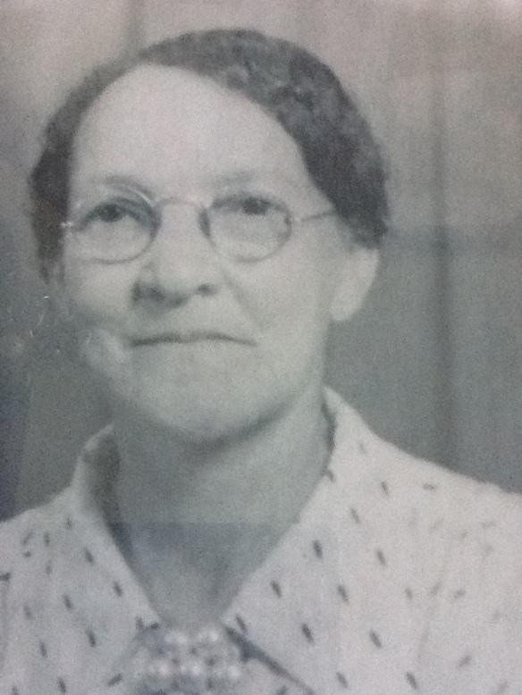 Mary Maldonia McGimpsey Fullwood, circa 1945