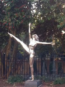 Duke Mansion statue1