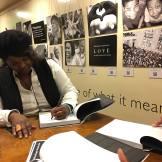 VF signing book2